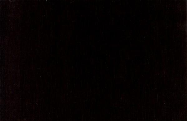 La posizione di pelle di posto capelli scuri